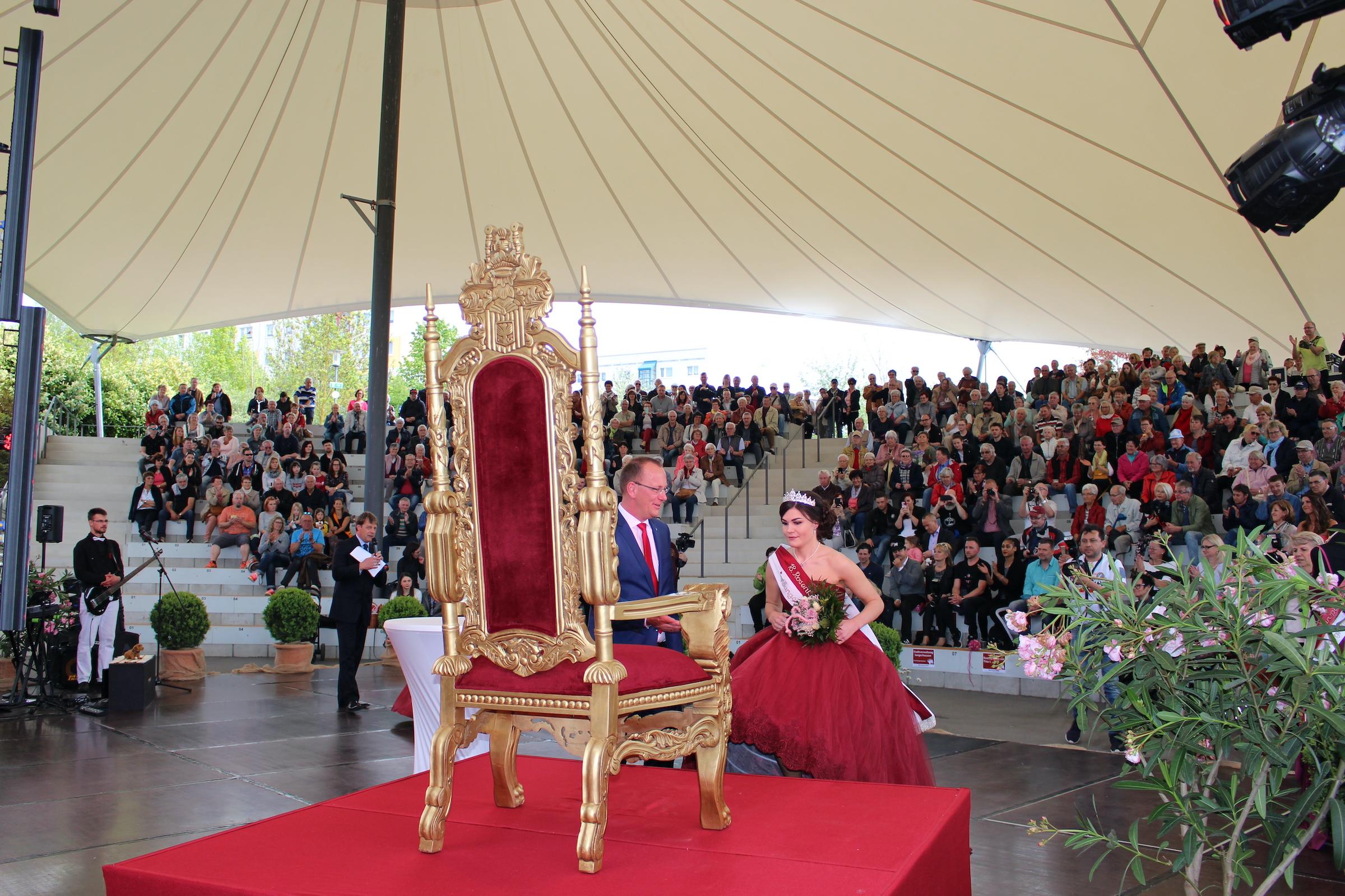 Berg- & Rosenfest mit Majestätenkrönung